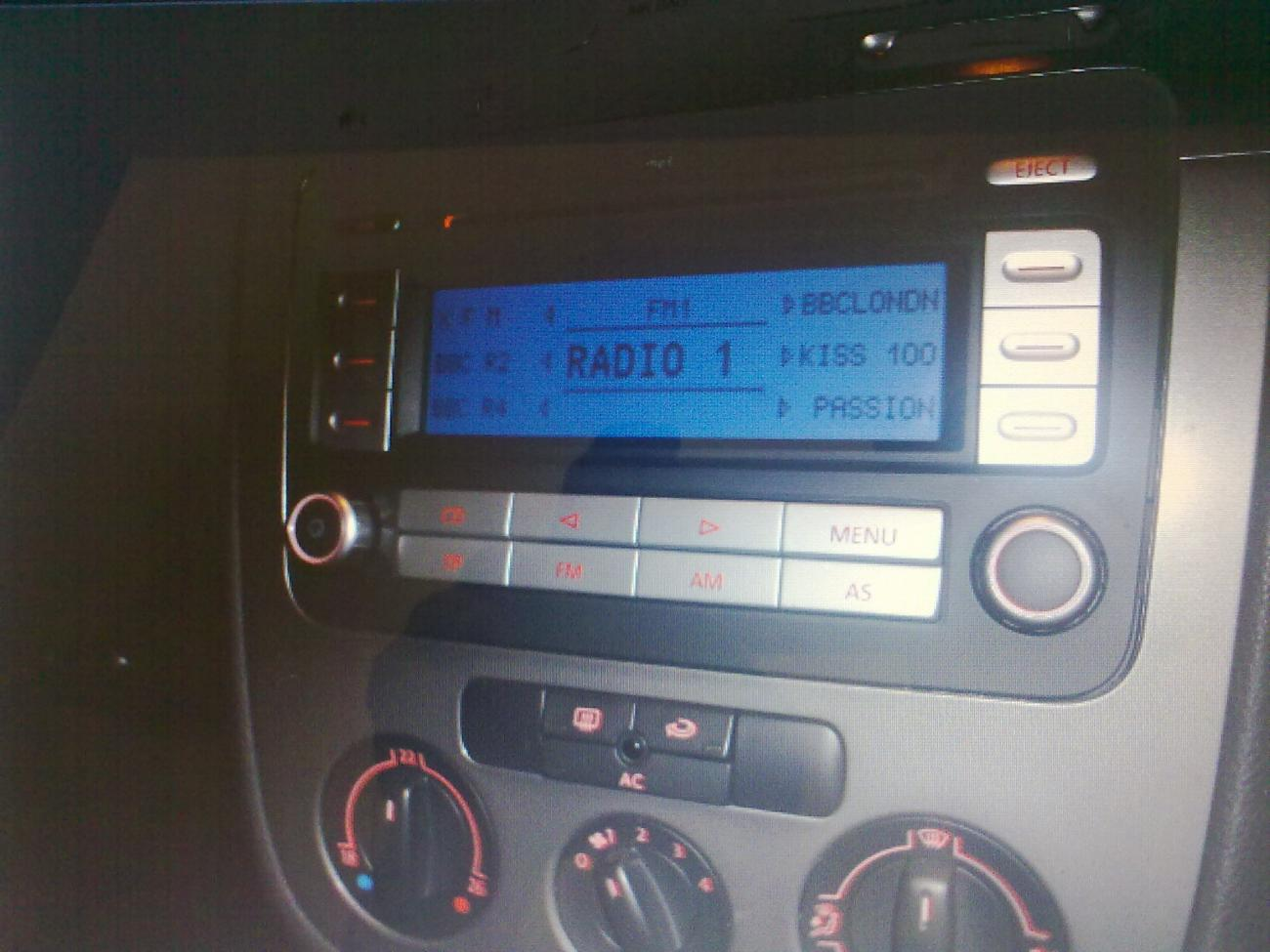 Ipod in Centre Armrest not Working!!! - VW GTI Forum / VW Rabbit
