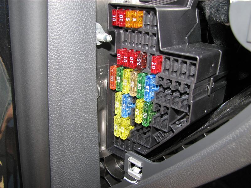 Fuse Box furthermore  additionally Fuse in addition X as well D T Cherokee Classic Fuse Diagram Image. on 2006 vw passat fuse box diagram as well 2011